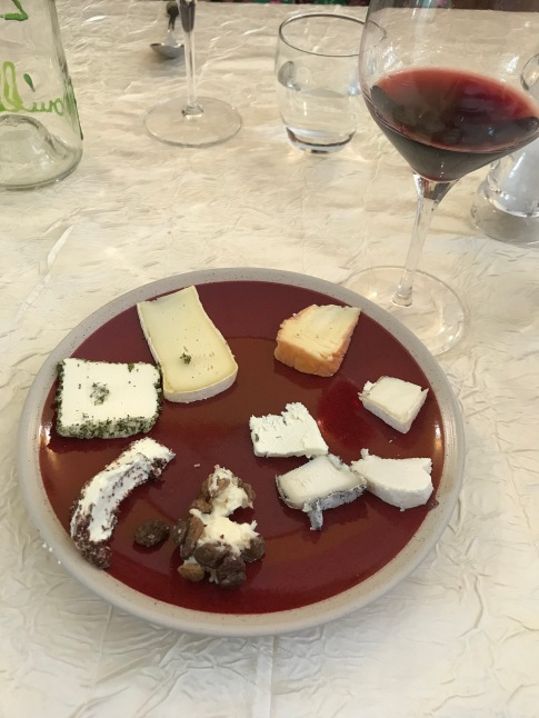 How they do cheese plates in Burgundy.